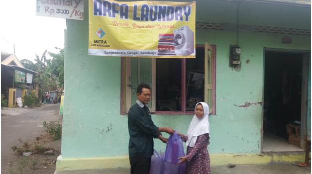 LZIS Assalaam Salurkan Bantuan Usaha Mikro ke Janda 5 Anak